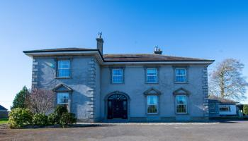 Beakstown House and lodge, Holycross is up for sale