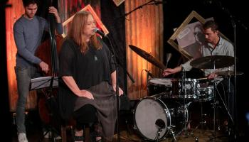 Watch Mary Coughlan in concert from Clonmel and support Cuan Saor womens refuge centre