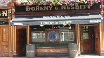 Legendary Tipperary bar owner Tom Nesbitt passes away