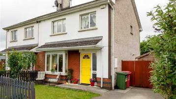 Attractive 3-Bedroom Semi-detached property within walking distance of Clerihan Village