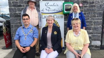 Local councillor welcomes provision of another defibrillator in Cahir