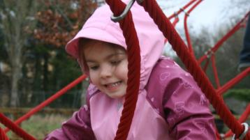 100 families at €100 a pop - Appel to sponsor a playground in Tipperary