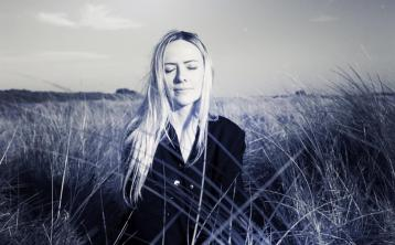 Former Tipperary town student Susie Q releases new single Winter's Here