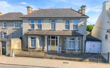 Exceptional period residence new to the market in Thurles