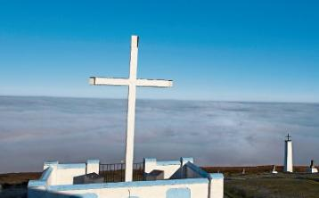 Man injured in fall while hiking up toHoly Year Cross near Clonmel