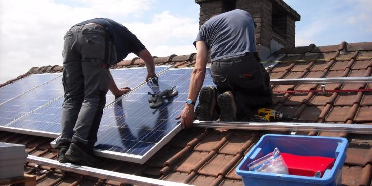The benefits of availing of grant to install solar panels at home