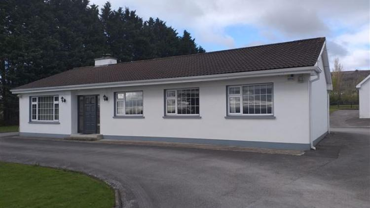 Lovely four-bed bungalow on extensive grounds for €290,000